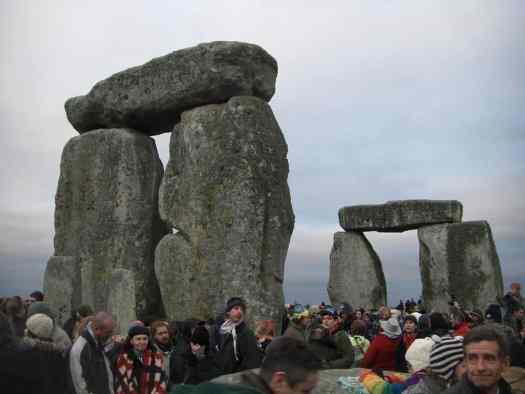stonehenge-at-winter-solstice