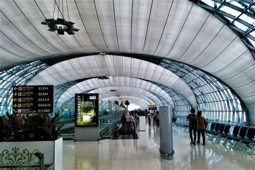 bangkok-airport-departure-level-concourse