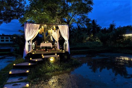 bali-restaurant-plataran-pluromantic-dinner