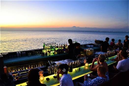 the-rock-bar-at-ayana-resort-and-spa-bali