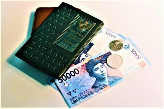 indonesai-money-rupiah-credit-bady qb on Unsplash