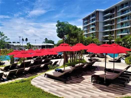 pattaya-hotel-amari-sunbathing-area
