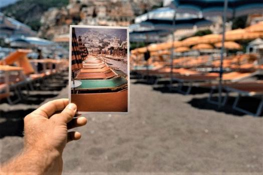 photo-taking-on-italian-beach