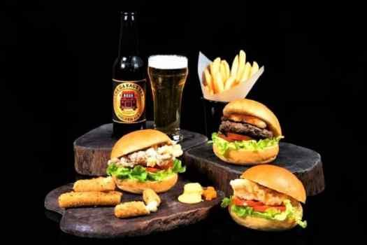 hamburgers-from-kowloon-restaurant-offering-takeaway