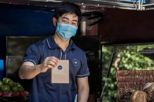 drive-through-groceries-in-bangkok-at-rosewood-hotel