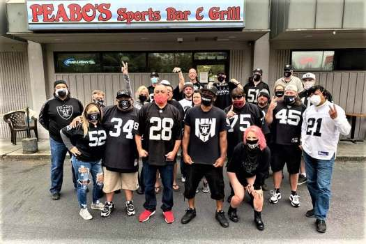 raider-fans-at-washington-sports-bar