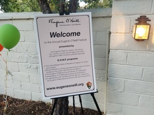 sign-welcoming-guests