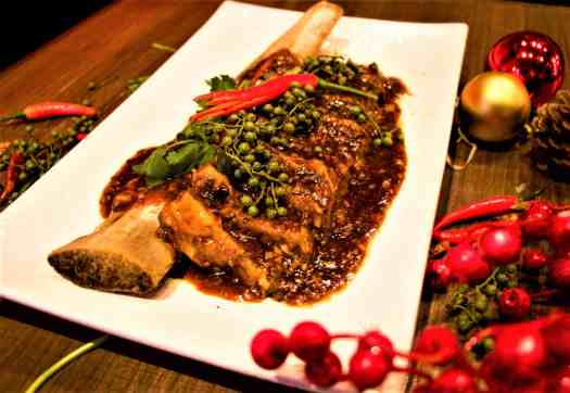braised-beef-short-ribs-with-red-chillies