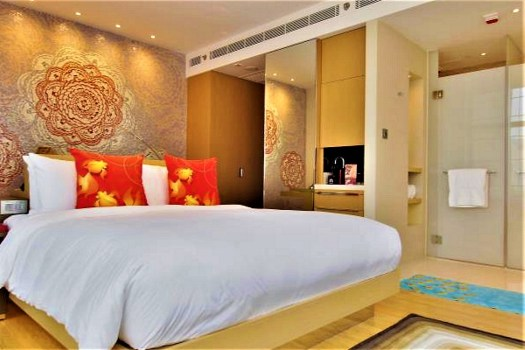 hotel-guest-room