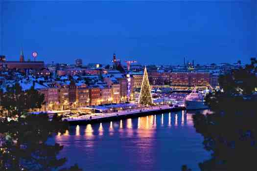 Skeppbron-waterfront-at-christmas