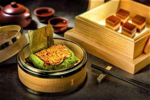 Steamed-Rice-in-Lotus-Leaf