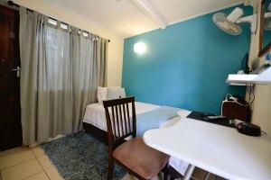 C) Mackaya Bella Budget Room
