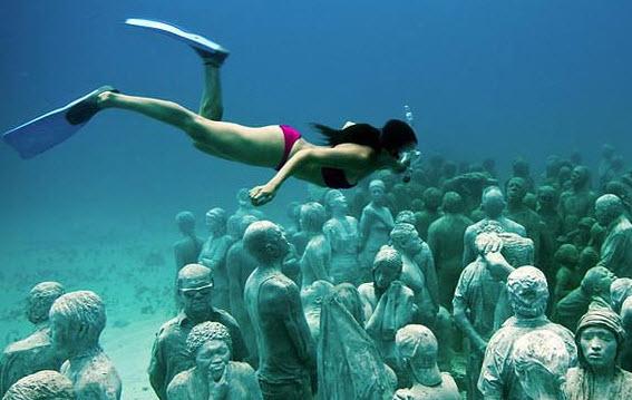 Scuba Diving in Mexico Cancun
