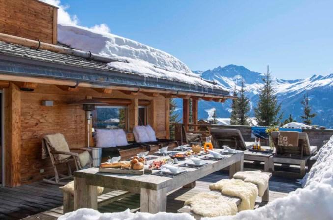 Tignes-Val-Disere-Ski-Pass-restaurant