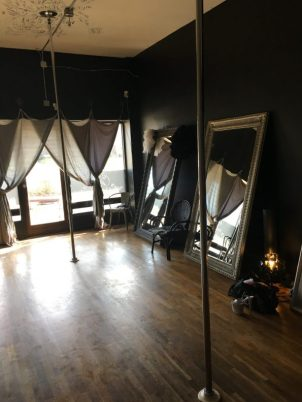 Workouts - Pole fitness class