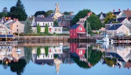 New Hampshire Red House –bellanreality.com