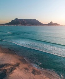 Ocean and Tabletop Mountain – www.thisissouthafrica.com