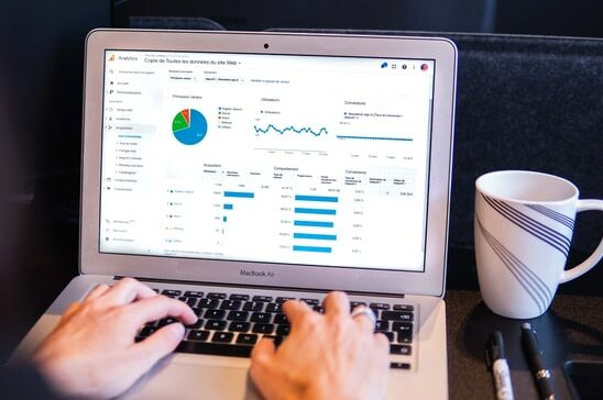 Financial reporting and bookkeeping dashboard report