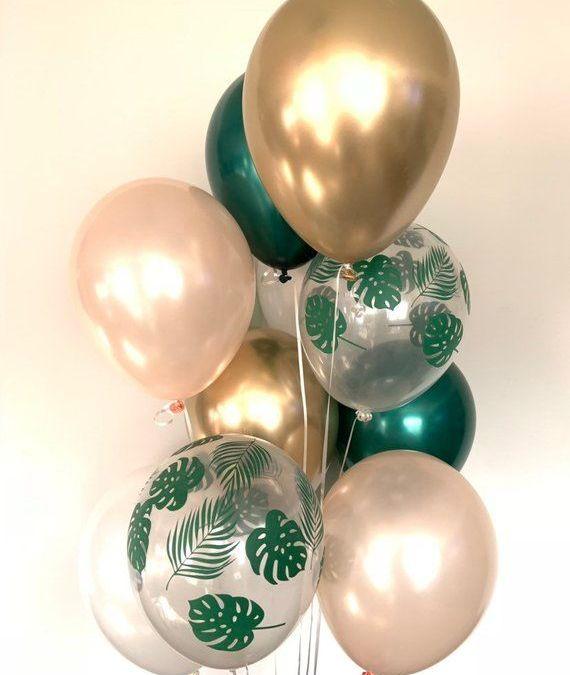 Sur Pinterest Tropical Balloons | Green Bridal Shower Decor | Green and Gold