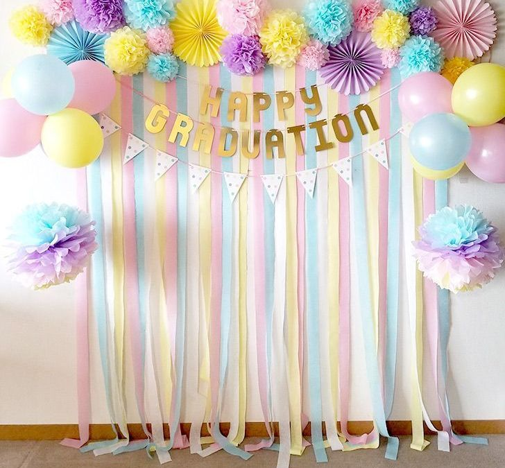 Sur Pinterest To create a cute photo booth ♪ Have a nice photo on your birthday or a