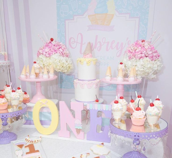 Sur Pinterest Ice creamtheme 1st birthday photography by @shamemoriesphotography