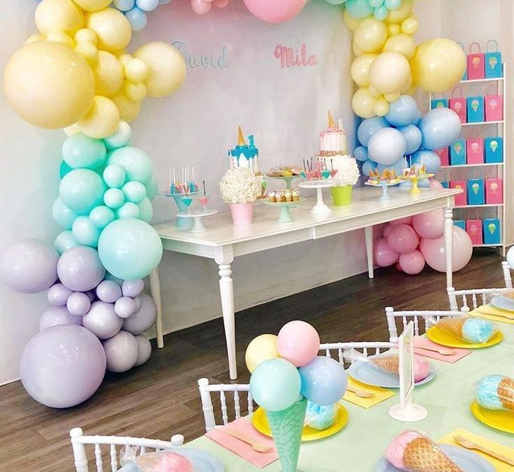 Sur Pinterest Can we talk about how cute this Ice Cream Birthday Party turned