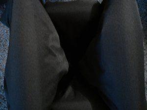 Plié il tient debout tout seul (à gauche sans le bassinet, à droite avec)