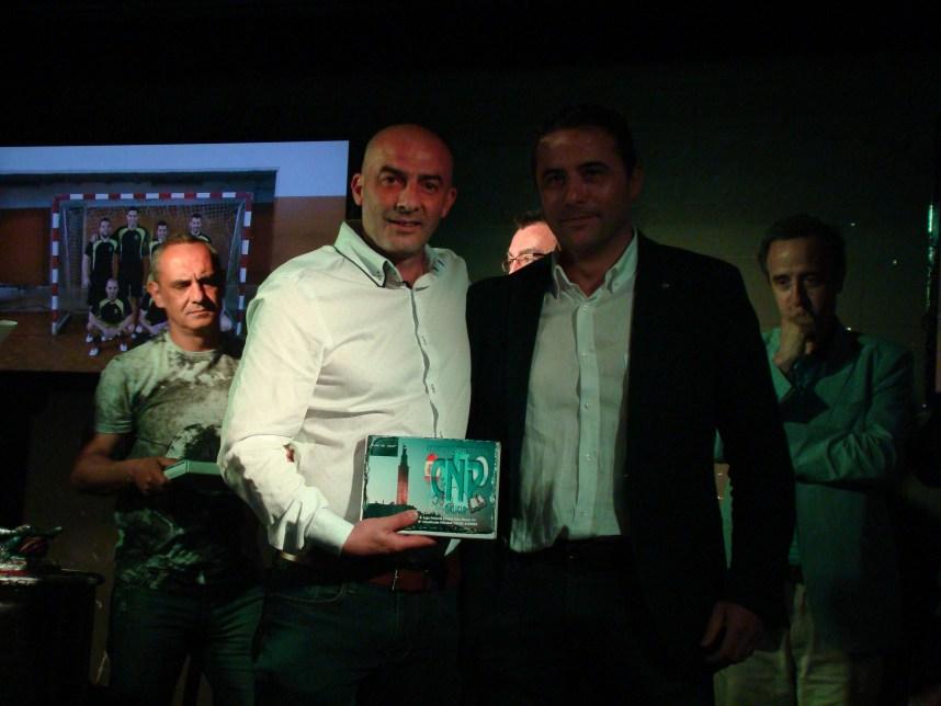 trofeo 6º clasificado policia local oleiros