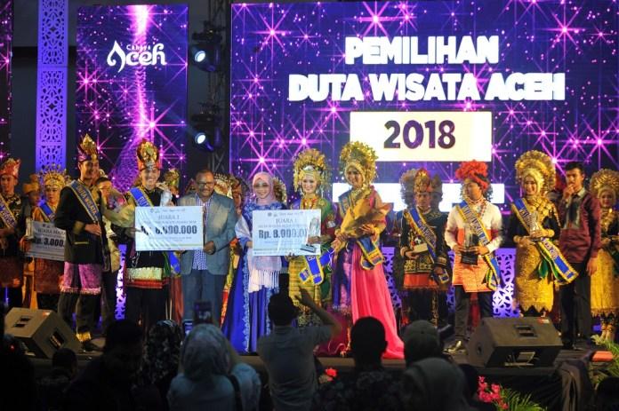 Muhammad Hernan dan Elzira Fellicia Dinobatkan Sebagai Duta Wisata Aceh 2018