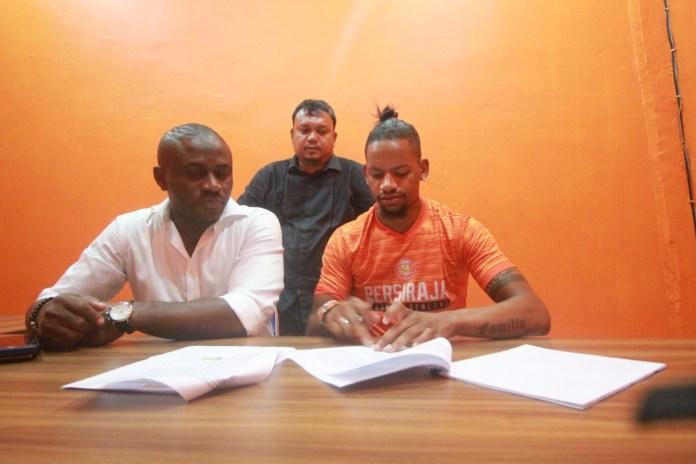 Persiraja Resmi Kontrak Striker Asal Brasil, Vanderlei Francisco
