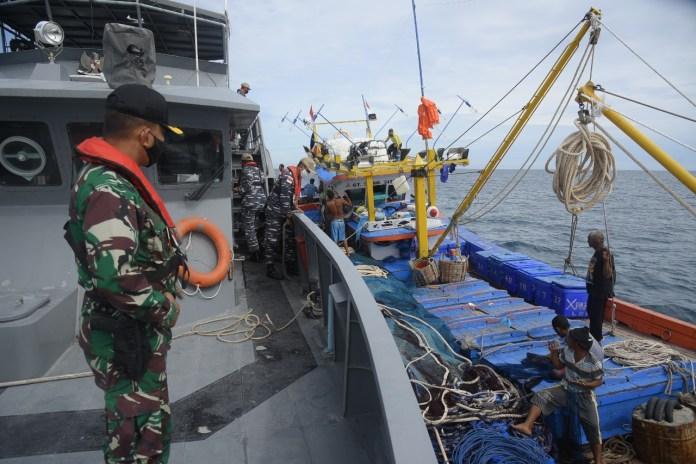 Danlanal Lhokseumawe Pimpin Patroli Keamanan Laut di Perairan Selat Malaka