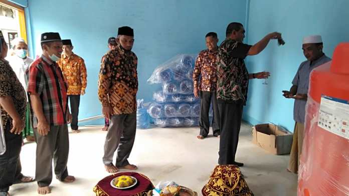 Kemenag Aceh Singkil Kembangkan Wakaf Produktif Usaha Depot Air Isi Ulang