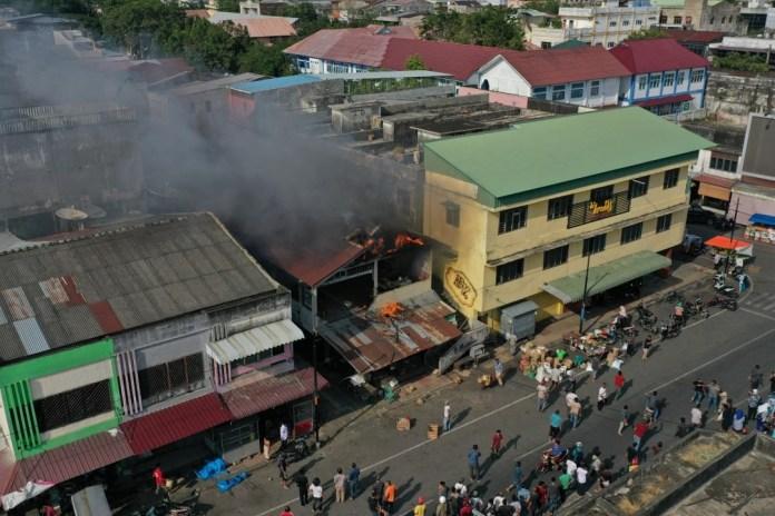 Video Kebakaran di Pasar Peunayong dari Udara