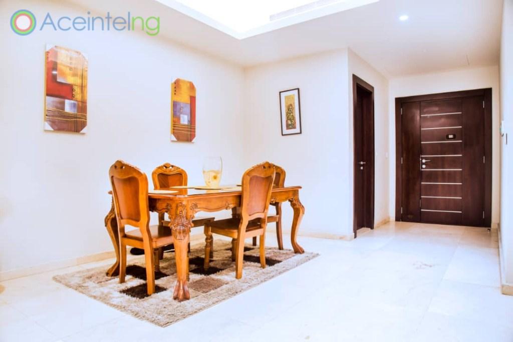 2 bedroom apartment for short let in Eko atlantic city - dinning set