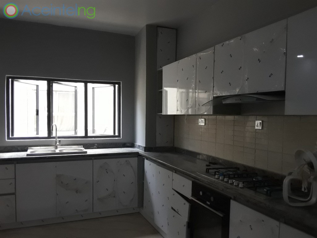 3 bedroom flat for sale in Ikoyi Lagos Nigeria - kitchen
