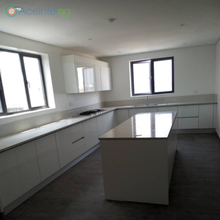 5 bedroom duplex for sale in banana island ikoyi lagos Nigeria - Kitchen