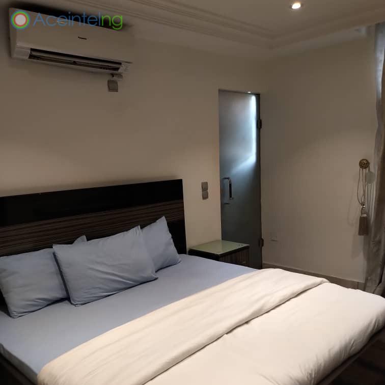 3 bedroom flat for short let in 1004 VI - bedroom 3