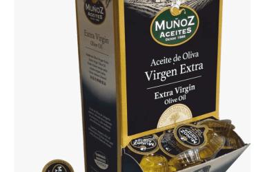 Aceites Muñoz dispone de monodosis desechables de Aceite de Oliva Virgen Extra en 10 ml y 18 ml y de Vinagre en 10 ml.