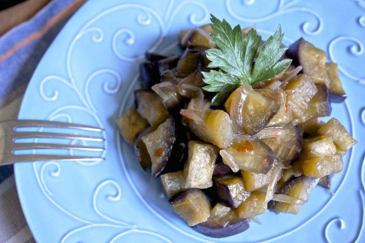 Melanzane piccanti in salsa agrodolce