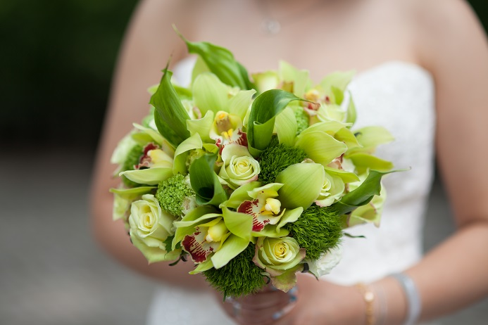 green-bridal-bouquet-callas-orchids