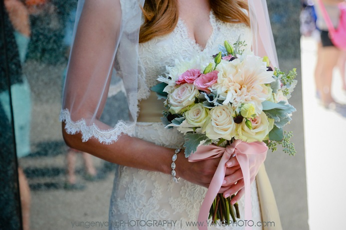 lush-round-bridal-bouquet-dusty-miller