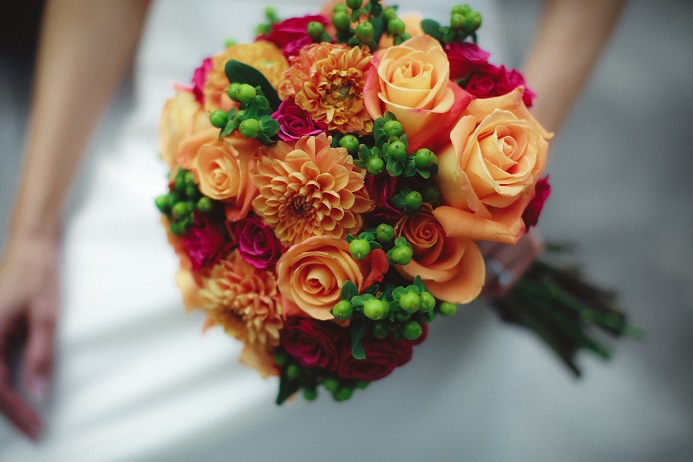 Wedding flower ideas for outdoor weddings orange and white bridal bouquet with bird of paradise and calla lilies mightylinksfo