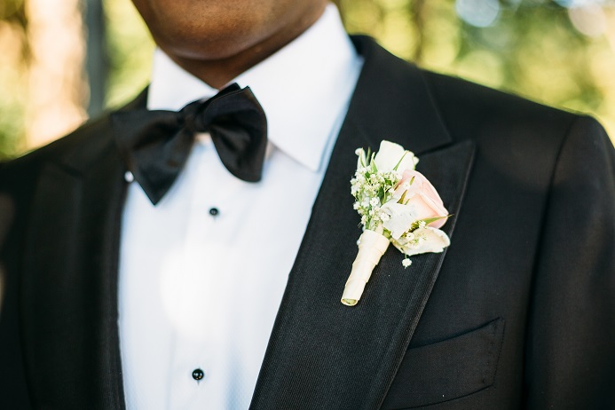 pink-and-white-boutonniere