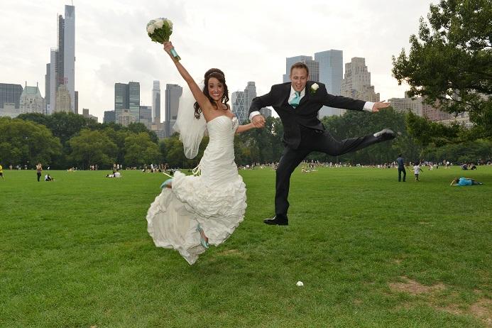 fun-wedding-photo-central-park