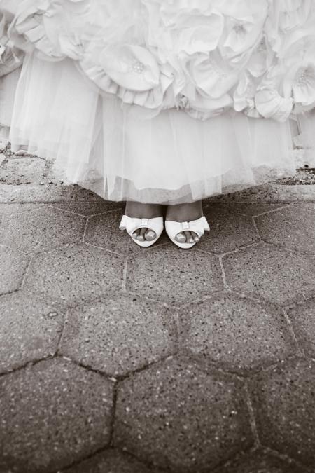 wedding-detail-shoe-photo