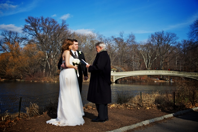 winter-elopement-at-bow-bridge-3