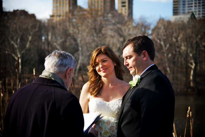 winter-elopement-at-bow-bridge-6