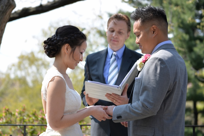spring-wedding-at-shakespeare-garden-22