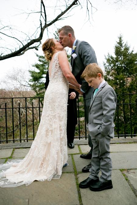intimate-wedding-at-shakespeare-garden (4)