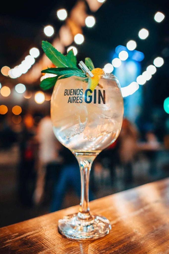 gin tonic destilería moretti